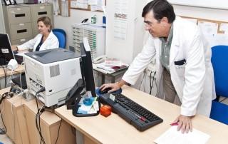 e-BOLI: Especialistas del Departamento de Salud consolidan la Asociación de Investigación en Reumatología